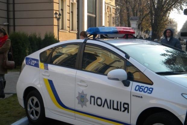 В отеле в центре Киева ищут взрывчатку, людей эвакуировали