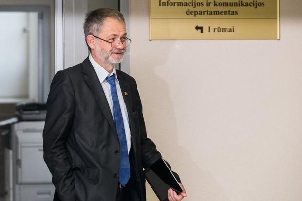 Литовскому депутату, пришедшему на работу пьяным, грозит уголовное дело