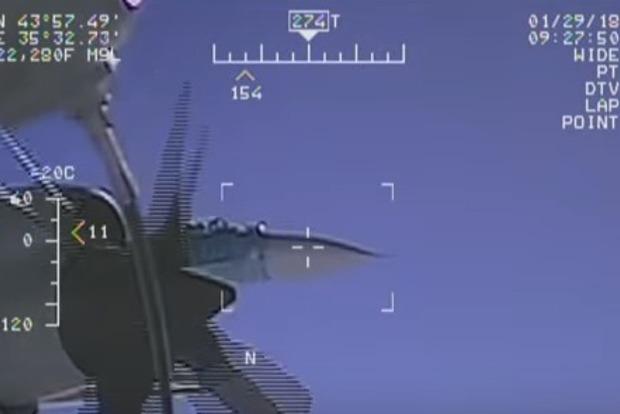 США показали еще 5 видео опасных маневров российских истребителей