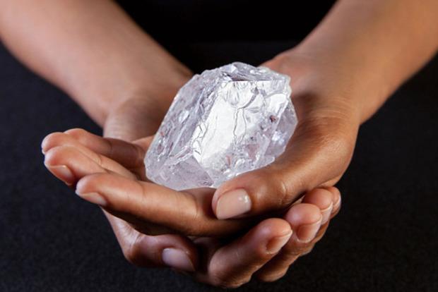 Крупнейший алмаз вмире продали за53 млн долларов
