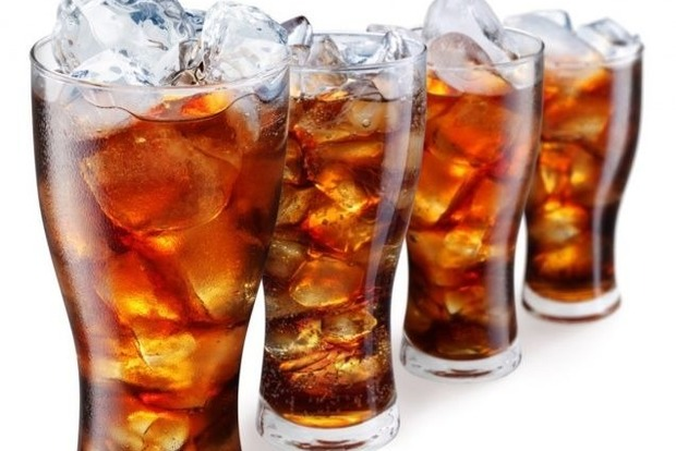 Незаметно убивают: сладкие напитки признали опасными для жизни