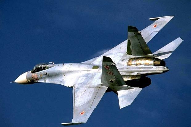 В Минобороны РФ официально подтвердили гибель пилота упавшего Су-27 (видео)