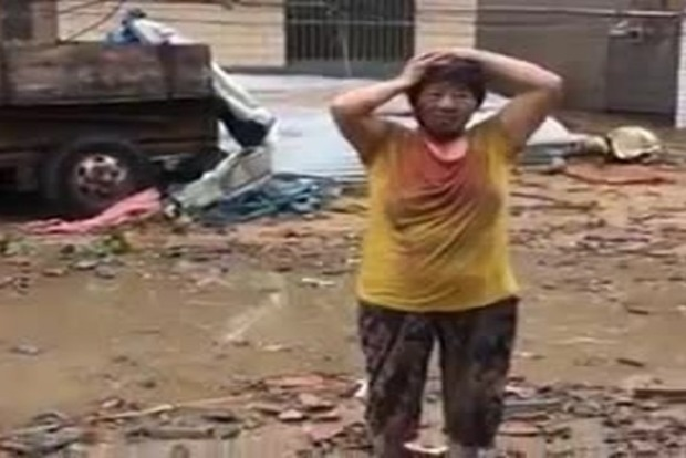 В сети появилось видео последствий разрушительного урагана, пронесшегося в Китае (видео)