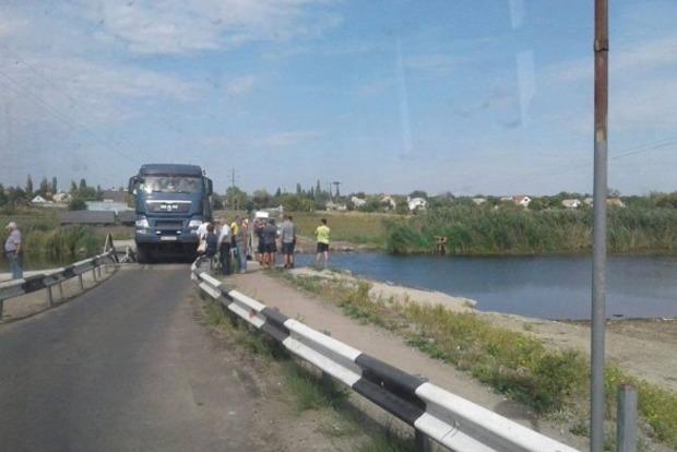 Вгосударстве Украина мост рухнул вреку