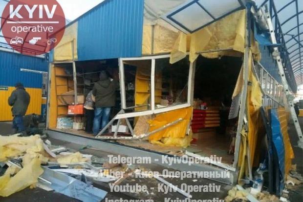 В Киеве проходит демонтаж Дарницкого рынка, владельцы возмущены