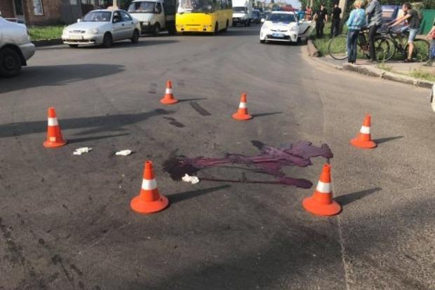 Переехал тело дважды. Полиция задержала водителя, убившего на переходе жену и ребенка атовца