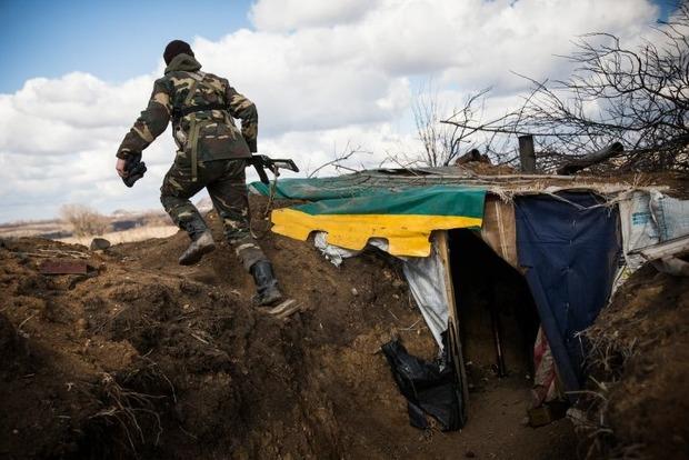 Боевики трижды обстреляли позиции ВСУ, погиб один военный