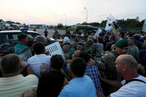 Дерзкий прорыв Саакашвили через границу: пострадали 11 полицейских и 5 пограничников