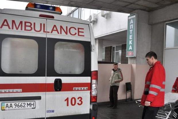 Упал и задавил насмерть. В Харькове молодая девушка погибла из-за толстяка