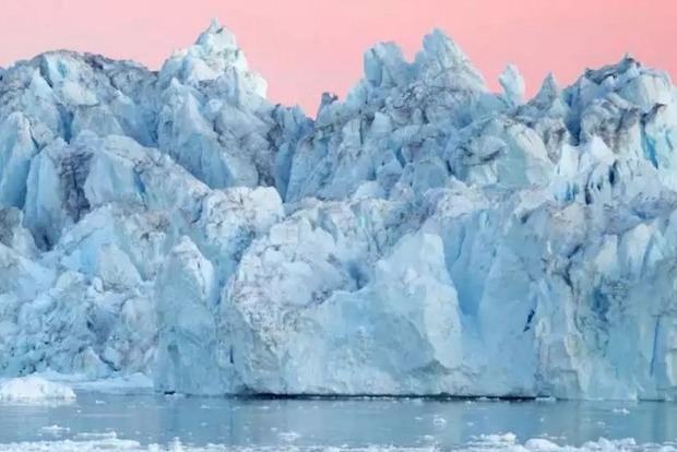 В Гренландии раскололся один из самых крупных ледников