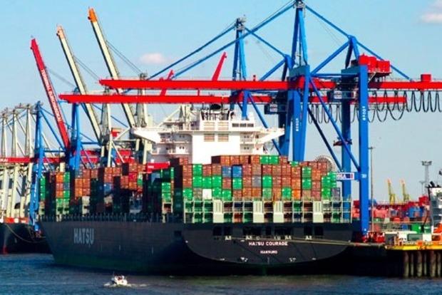 Гройсман пообещал навести порядок в портах Украины