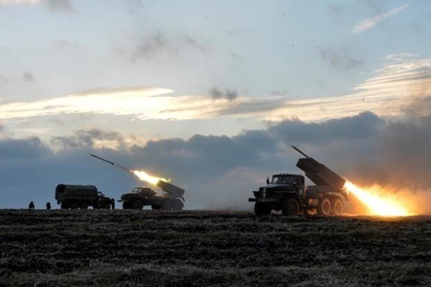 Боевики применили против ВСУ «Грады» и тяжелую артиллерию
