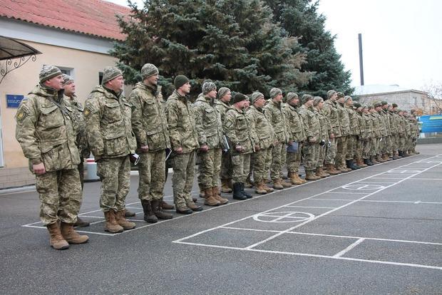 Минобороны обещает полностью перевести армию на «контракт» в течение трех лет