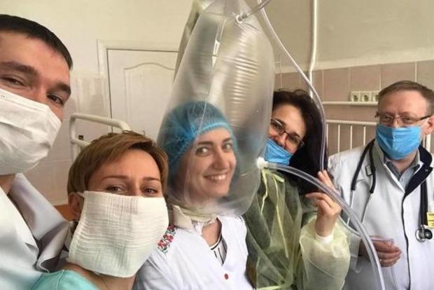 Пакет на голове: новый метод помощи больным COVID-19 внедряют на Тернопольщине