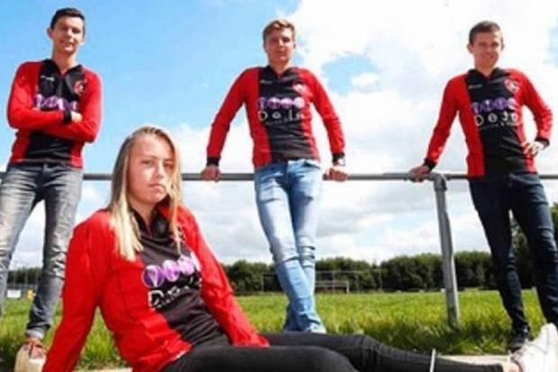 В Нидерландах женщинам разрешили играть в мужских командах по футболу