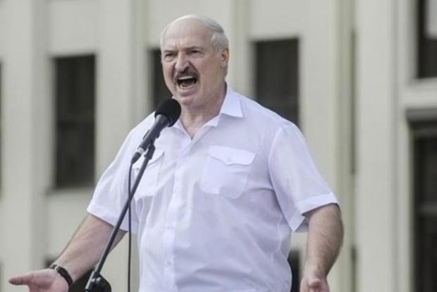 Лукашенко закрывает все бастующие предприятия