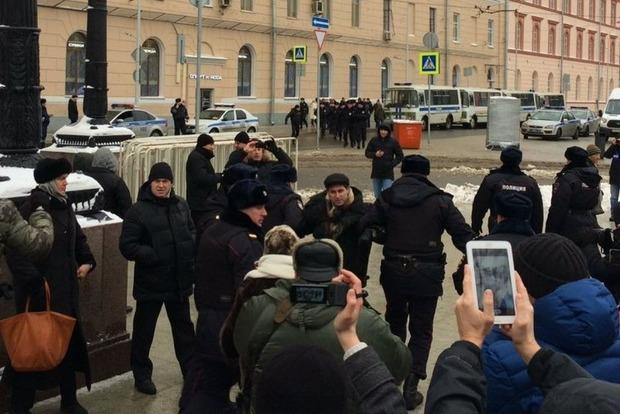 В Москве задержали более 40 участников оппозиционного митинга