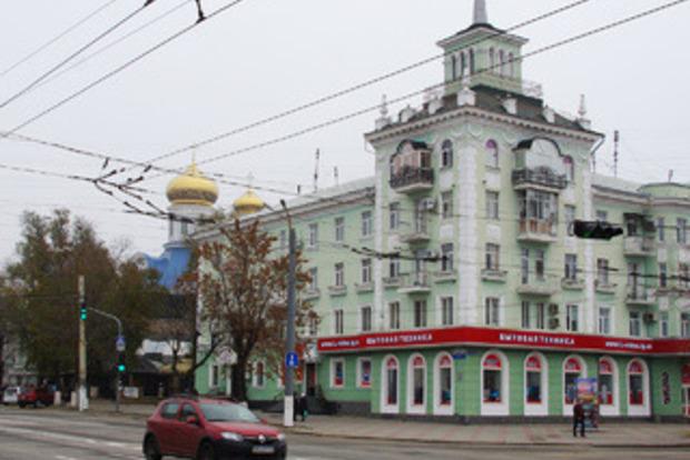 В одном из оккупированных городов ОРДЛО из-за COVID-19 запретили пользоваться личным транспортом
