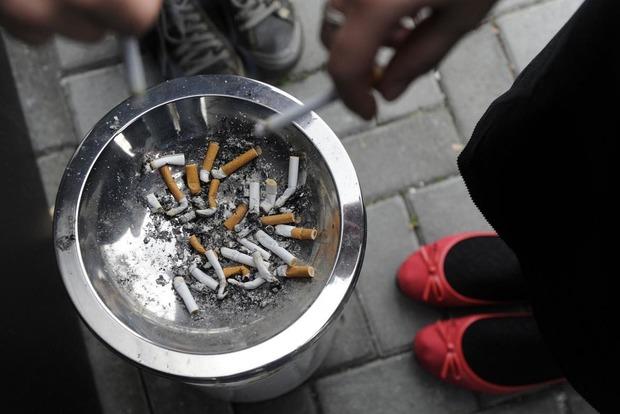 Япония не сможет запретить курение к Олимпиаде 2020 из-за лоббизма партии премьера