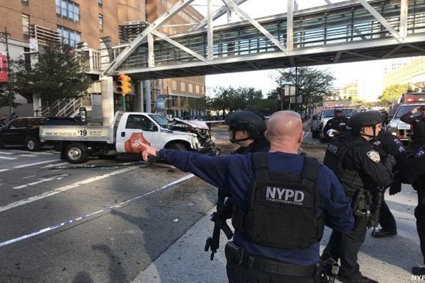 Неизвестный открыл стрельбу в Нью-Йорке