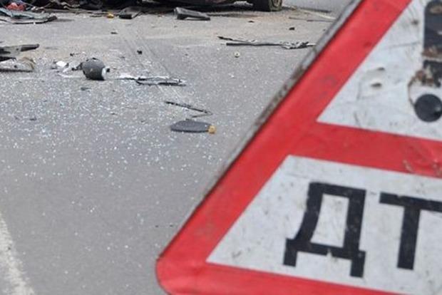 ВЧеркасской области микроавтобус въехал впожарную машину: пострадали пятеро жителей Молдовы