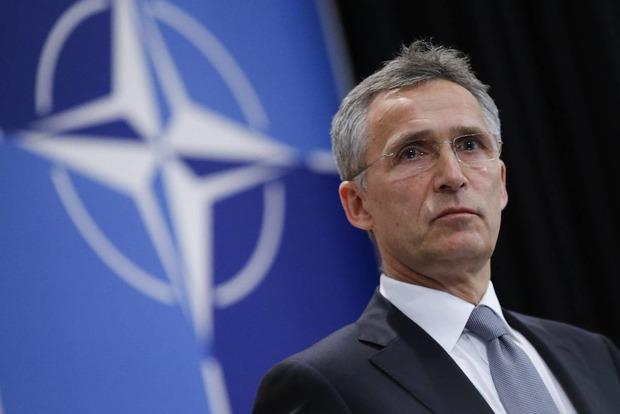 НАТО сокращает количество аккредитованных российских представителей при альянсе