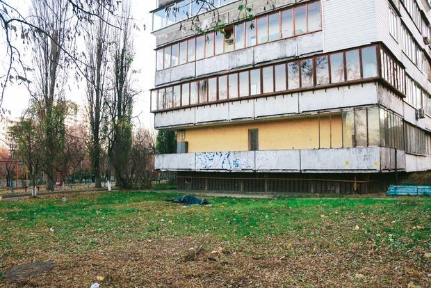 В Киеве мужчина после отказа любовницы разбился, выпрыгнув с балкона