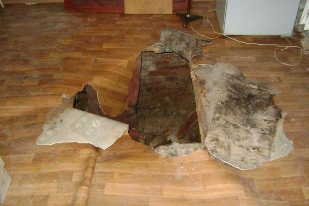 Женщина провалилась сквозь этажи дома и осталась жива