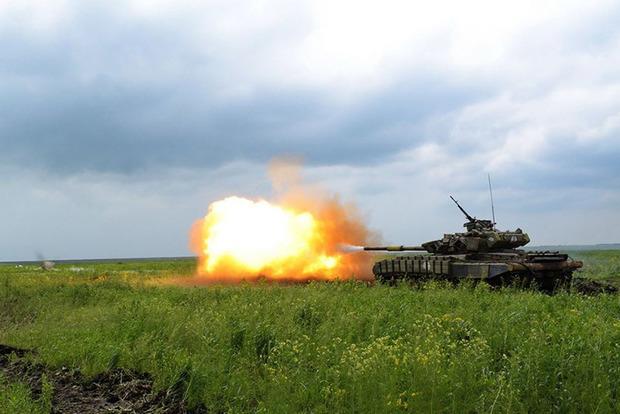 АТО на Донбассе: сутки прошли без потерь, но обстрелы продолжаются