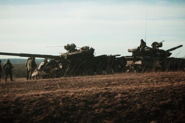 Захарченко подписал соглашение об отводе вооружения калибром менее 100 мм