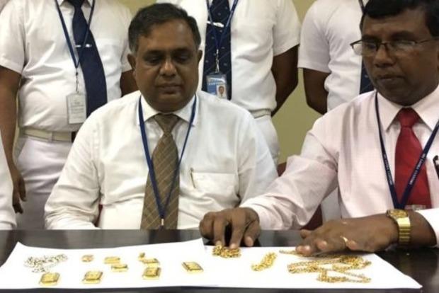 Житель Шри-Ланки пытался перевезти килограмм золота в прямой кишке