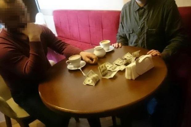 Добытчик янтаря пытался подкупить СБУ на Ровенщине: $2 тыс. в неделю