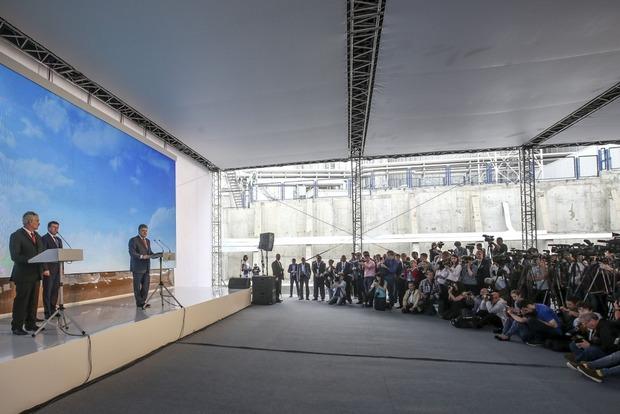 Порошенко заявил о макрофинансовой стабилизации в стране