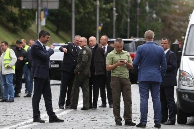 Следствие рассматривает несколько версий взрыва на Грушевского