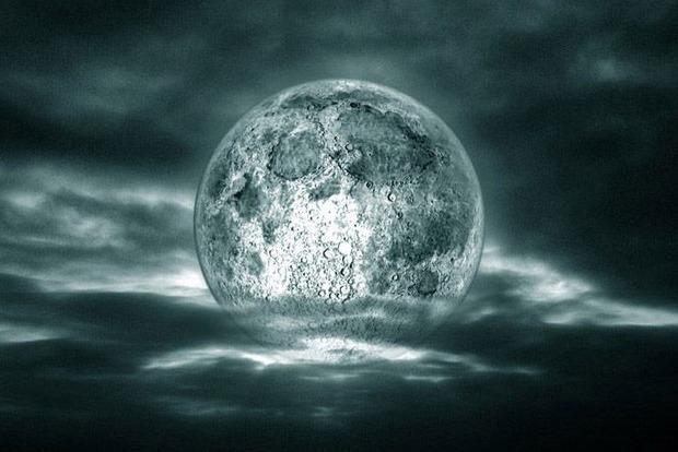 Забирает красоту и удачу: Что будет, если долго смотреть на Луну