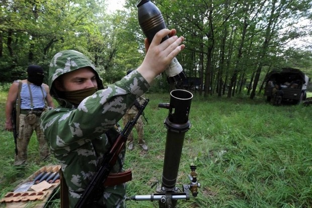 За сутки боевики 46 раз обстреляли позиции сил АТО