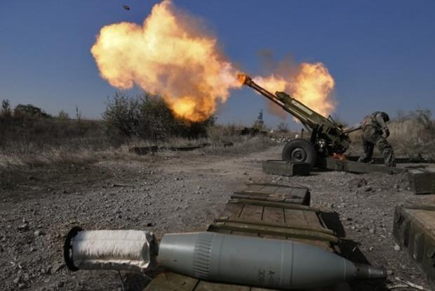 Боевики обстреляли пункт пропуска «Майорск»: таможенники поведали подробности