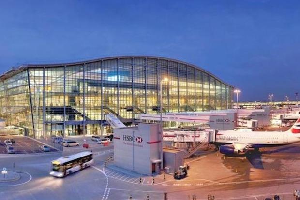 В аэропорту Лондона столкнулись два самолета, есть погибший