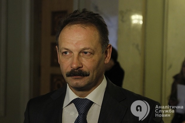 Гройсман хочет отстранить Барну от участия в заседаниях Рады