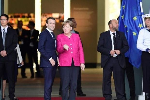 Меркель и Макрон договорились заняться реформированием ЕС