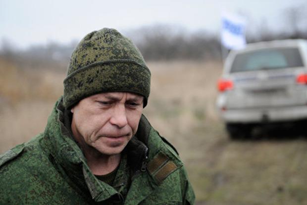 Боевики «ДНР» о лютующем «Правом секторе»: заставили бабушку есть газету