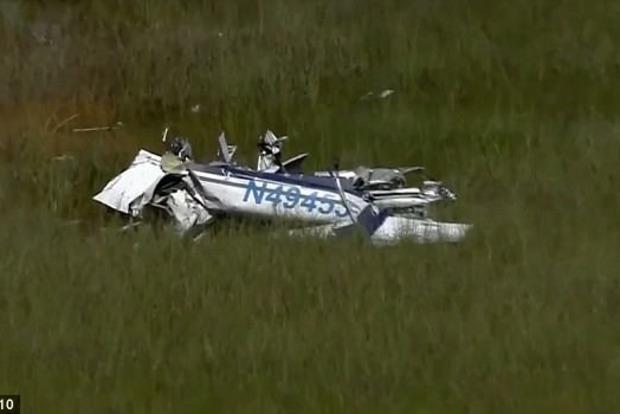 В США самолет упал в болото, пилота съел аллигатор