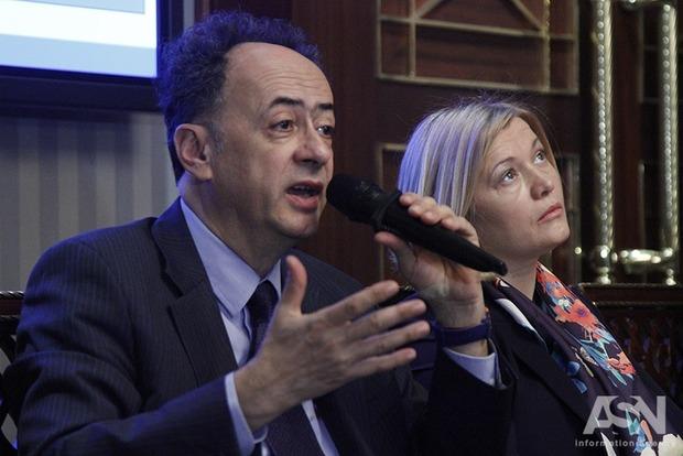 Геращенко рассказала, какими «чартерами» летает в Минск на переговоры