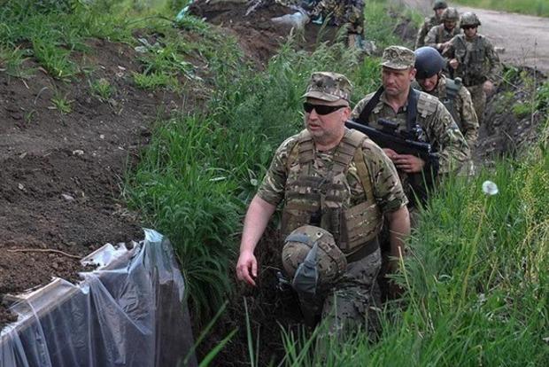 Турчинов назвал сроки уничтожения ВС России на Донбассе