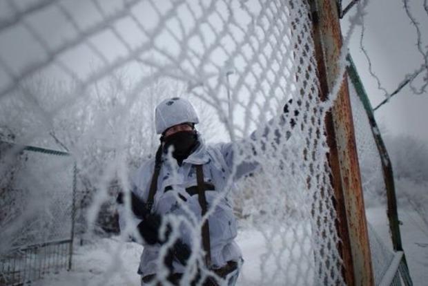 На Донбассе убили военного, еще трое получили ранения