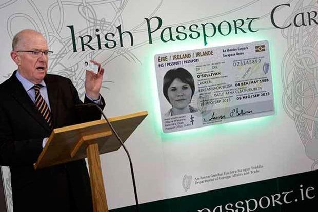 Британцы поголовно подают заявления на ирландский паспорт