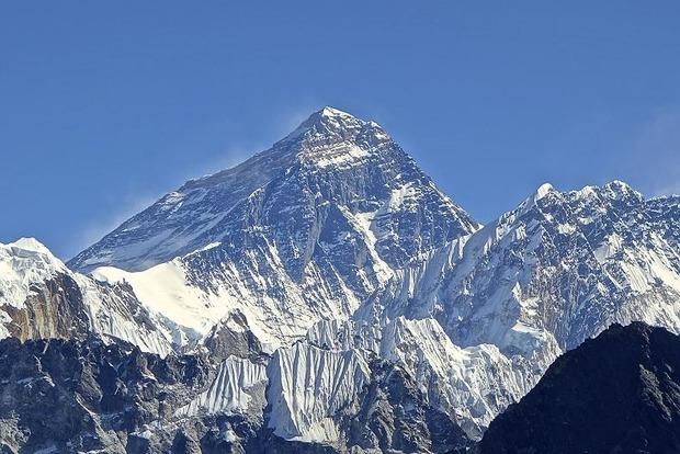 Российские дипломаты оконфузились с горой Эверест