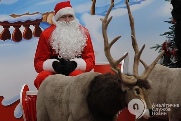 Стоит ли делать католическое Рождество выходным днем в Украине - опрос АСН