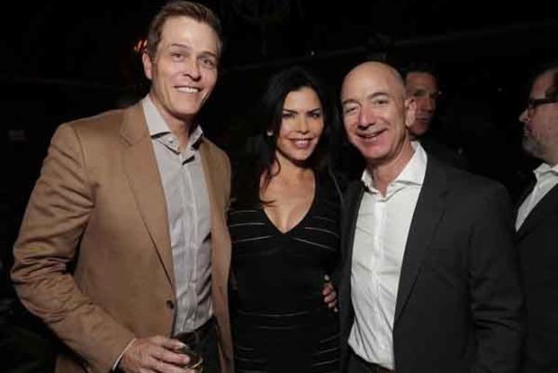 Фото голого засновника Amazon брат його коханки продав за $200 тисяч