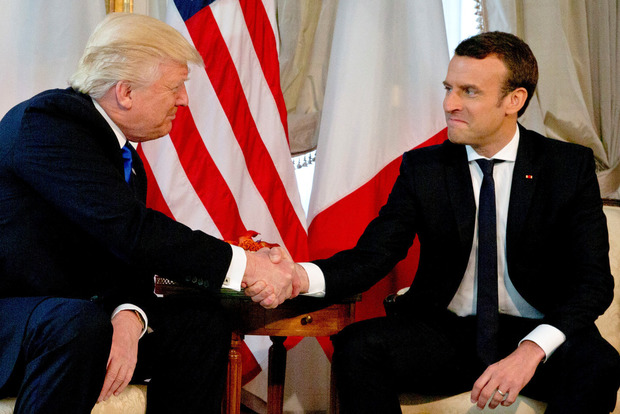 Макрон заявил, что больше не считает уход Асада обязательным